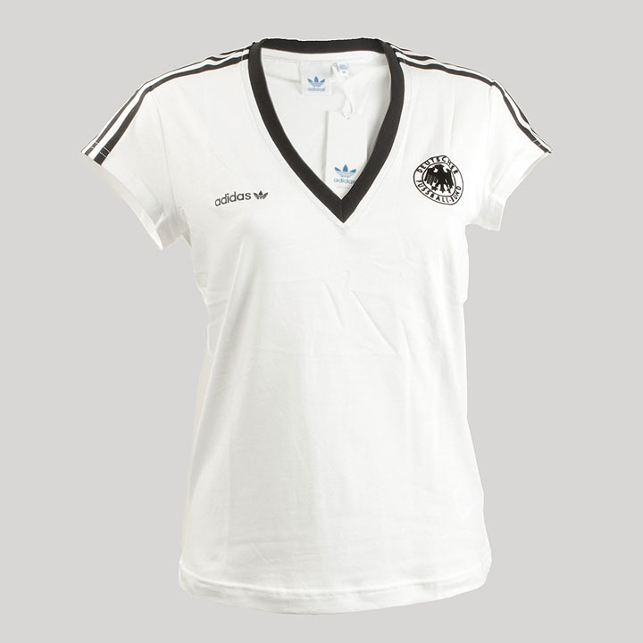 adidas damen deutschland shirt in weiss gr n uts blog. Black Bedroom Furniture Sets. Home Design Ideas